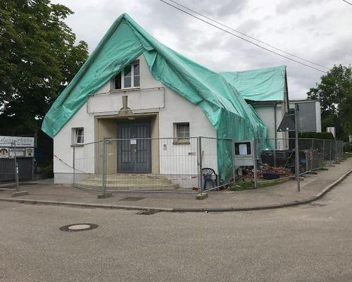 Gebäude abgedeckt